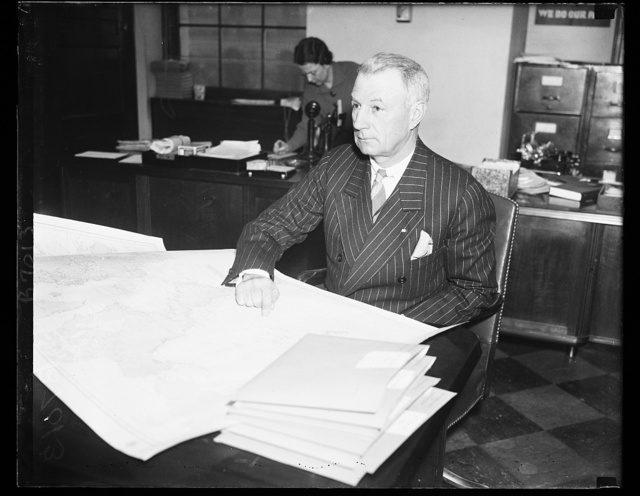 Billie Mitchell takes stand. Gen. William Mitchell, former head of the U.S. Air Corps, was one of the outstanding witnesses to give testimony at the secret hearing of the House Military Affairs Committee considering the Wilcox Air Base Bill. 2/13/35