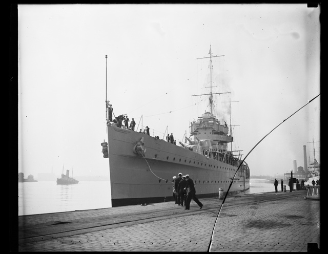 British man of war at Washington, D.C. H.M.S. York, flagship of the British West Indian fleet, docks at the Navy Yard at Washington, D.C. She brought Vice Admiral, the Hon. Sir Matthew R. Best, K.C.B., D.S.O., M.V.O., R.N., to Washington where he will be the guest of honor at a round of social functions. This photograph was made from the deck of the Sequoia, the yacht used by President Roosevelt. 10/30/35