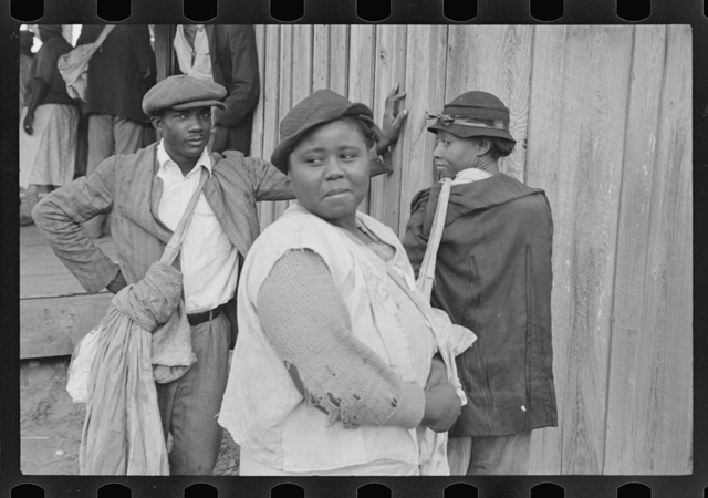Cotton pickers, 6:30 a.m., Alexander plantation, Pulaski County, Arkansas