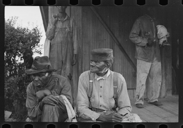 Cotton pickers at 6:30 a.m., Alexander plantation, Pulaski County, Arkansas