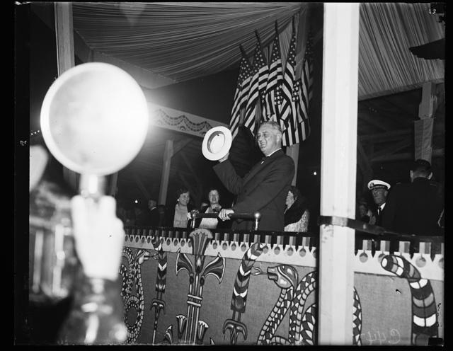 [Franklin D. Roosevelt at Shriner parade]