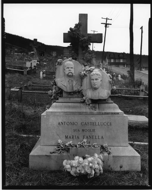 Gravestone in Bethlehem graveyard. Pennsylvania