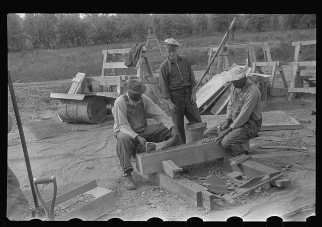 Hightstown, New Jersey. Steps in the preparation of mortar for fresco painting in the Jersey Homesteads school