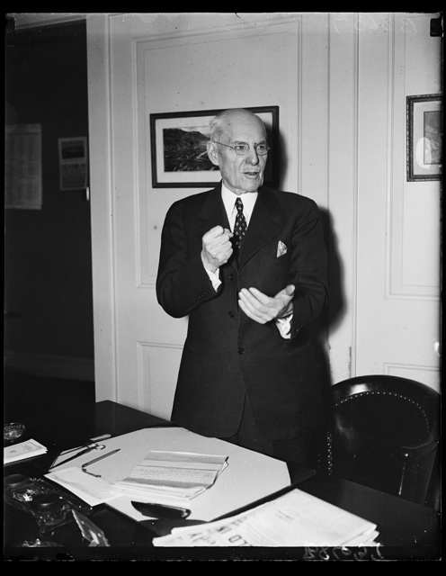 House leader off the reservation. Rep. Edward T. Taylor, D. of Colo., and acting House majority leader for the 74th Congress created a furror on the Hill when he advocated a currency inflation method of paying off the soldiers bonus. This usual Administration stalwart is now throwing his support behind Rep. Wright Patman's plan. At the same time, Rep. Taylor declared that he was through acting as House Majority Leader unless supported by a direct cacus vote. These two decisions of the veteran threaten to disrupt House Democratic ranks even before the opening of the new session next month. Rep. Raylor is the dean of all Western Congressmen. He served 14 consecutive terms since 1909. Only 15 men, in the history of Congress have served as long, 12/4/35