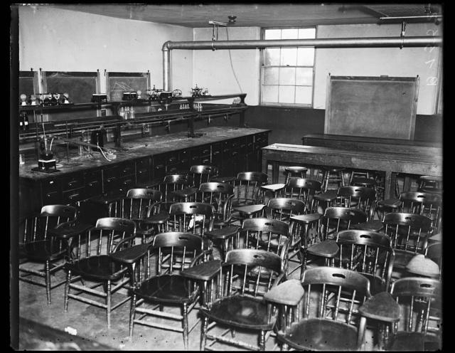 [Lab classroom]