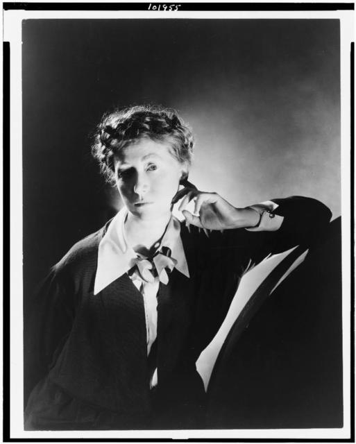 [Marianne Moore, half-length portrait, facing left] / George Platt Lynes.