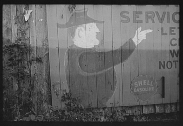 Middlesboro, Kentucky. A billboard advertisement for a gasoline service station