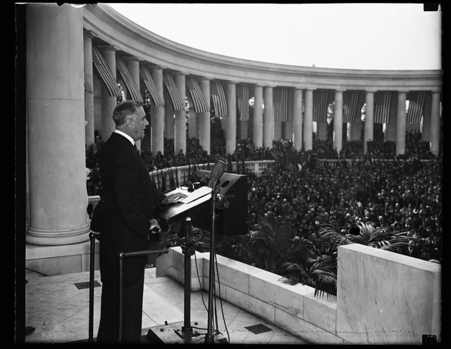 PRESIDENT FRANKLIN D. ROOSEVELT SPEAKING ARMISTICE DAY AT ARLINGTON CEMETERY