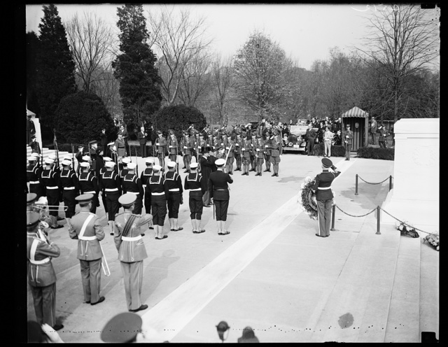PRESIDENT ROOSEVELT AT ARLINGTON ARMISTICE DAY UNKNOWN SOLDIER'S TOMB