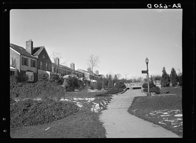 Radburn, New Jersey, a privately financed model town which furnished some of the ideas for the Suburban Resettlement Administration's Greenbelt towns. Houses showing the plan by which thoroughfares are eliminated from the front of the houses