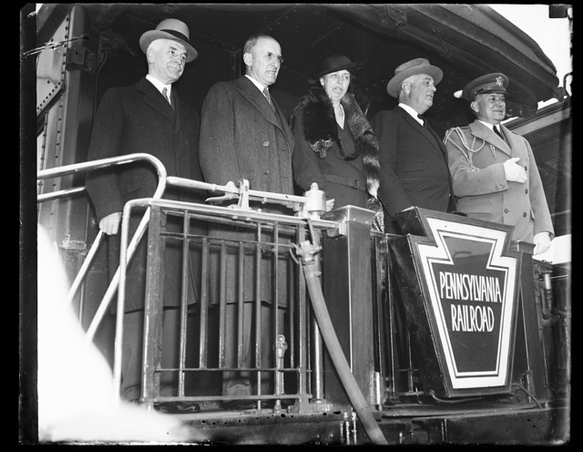 [Right to left: Cordell Hull, Henry Morgenthau, Eleanor Roosevelt, Franklin D. Roosevelt]