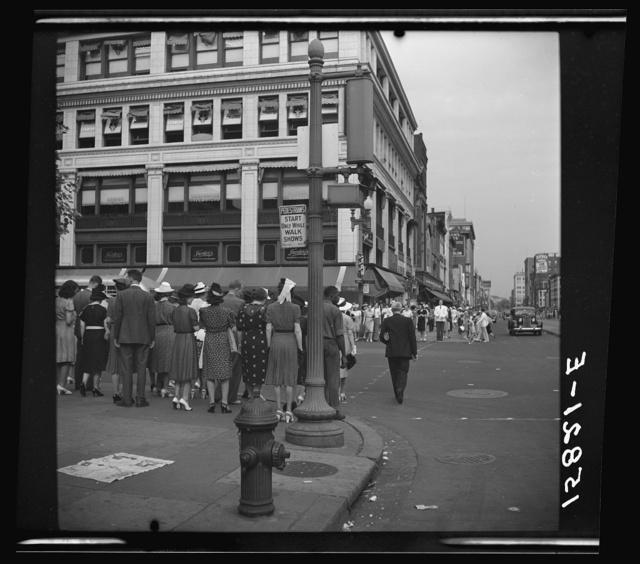 [Street scene at 13th Street, N.W., Washington, D.C.]