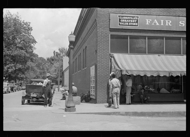 Street scene at Clarksville, Arkansas