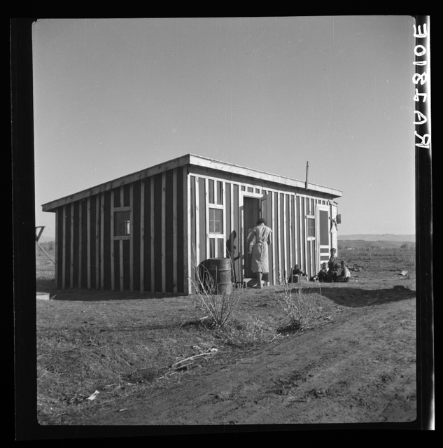 Temporary housing for the settlers. Bosque Farms project, New Mexico