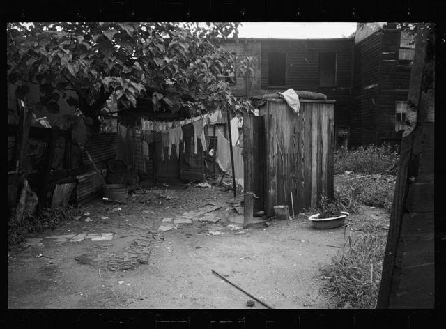 Washington DC photographs - Farm Security Administration / Office of War Information Photograph.