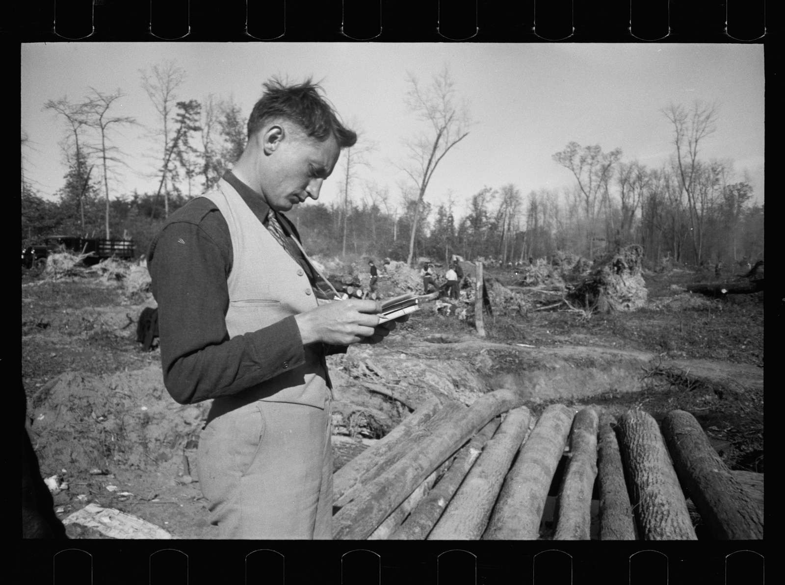Untitled photo, possibly related to: Bridge building, Prince George's County, Maryland