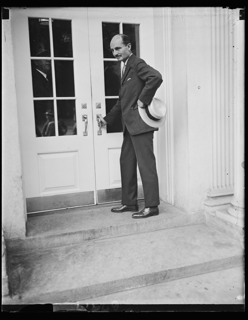 Visits FDR [Franklin Delano Roosevelt] ... and resigns. Francis Biddle, until today (Friday) Chairman of the National Labor Relations Board, is seen here as he was about to enter the White House for a conference with Pres. Roosevelt. Following the visit it was announced that Biddle had formally submitted his resignation on the N.I.R. Board. The N.I.R.B. will itself go out of existence next month. Personal reasons, and a desire to return to the practice of law were given as cause for the retirement. Biddle's name has lately been linked with new possibilities of appointment, perhaps to foreign service, 7/5/35