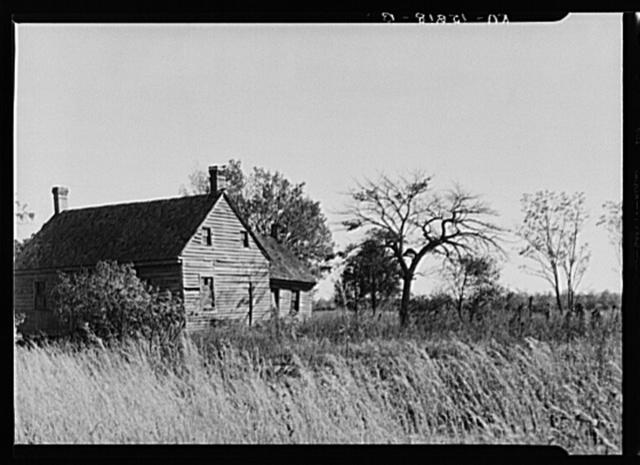 Abandoned farmhouse on Eastern Shore land use project, Maryland