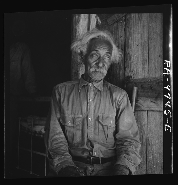 Bob Lemmons, Carrizo Springs, Texas. Born a slave about 1850, south of San Antonio. Came to Carrizo Springs during the Civil War with white cattlemen seeking new range. In 1865, with his master was one of the first settlers.  Knew Billy the Kid, King Fisher, and other noted bad men of the border