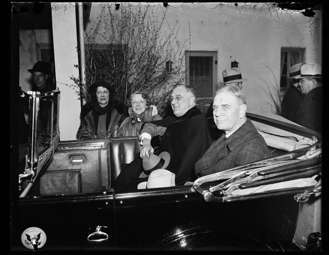 CHIEF EXECUTIVE INSPECTS FLOOD AREA. WASHINGTON, D.C. MARCH 19. PRESIDENT ROOSEVELT INSPECTS FLOOD DAMAGE IN VICINITY OF WASHINGTON. HE STOPPED AT THE ESTATE OF MRS. WILLIAM N. DOAK, WIFE OF THE LATE SECRETARY OF LABOR, WHICH OVERLOOKS THE POTOMAC RIVER AT CHAIN BRIDGE. IN THIS PICTURE, FROM THE LEFT: MRS. CHARLES HARRIS, CLARENDON, VA; MRS. DOAK; PRESIDENT ROOSEVELT; AND SECRETARY GEORGE DERN