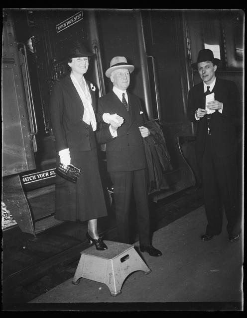 [Cordell Hull?, center]