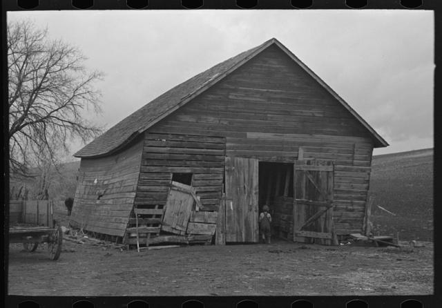 Corncrib on Frank Moody's farm in Miller Township, Woodbury County, Iowa