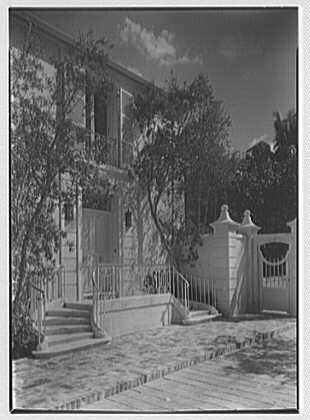 Frank N. Horton, residence on Via Bellavia, Palm Beach, Florida. Entrance detail from right