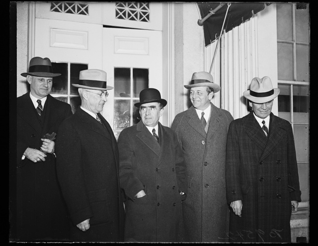 [Group at White House; William B. Bankhead, center. Washington, D.C.]