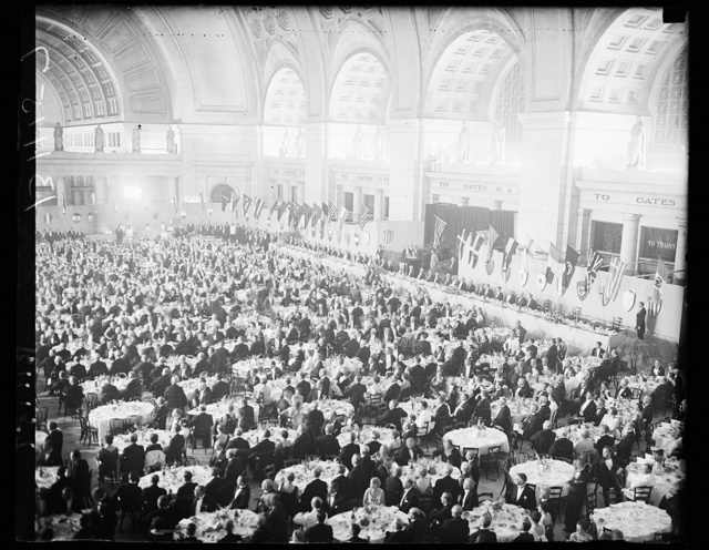 Largest dinner in Washington, Washington, D.C., Sept. 10. The largest dinner that has been held in Washington was held tonight at the Union Station which was used as the banquet hall, for the delegates of the Third World Power Conference