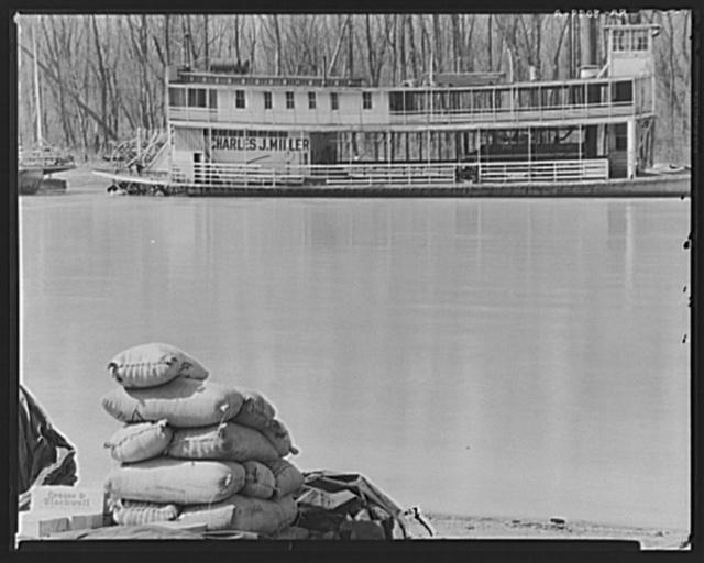 Mississippi River steamboat. Vicksburg, Mississippi