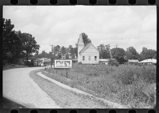 Roadside scene, Alabama. Approach to Moundville