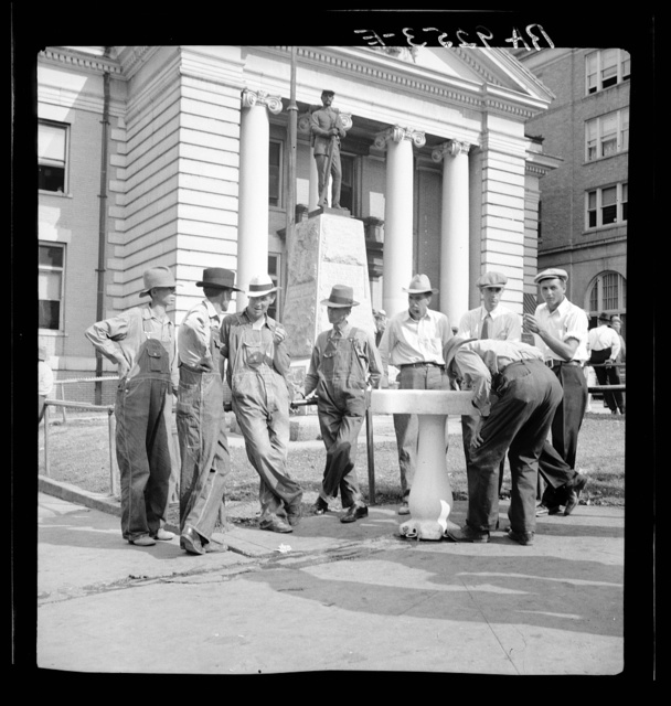 Saturday afternoon in front of the courthouse. Greenville [i.e., Greeneville], Tennessee