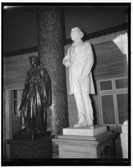 Statue late Dr. John Gavin in Capitol