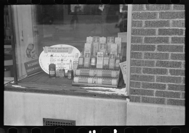 Store window in Spencer, Iowa