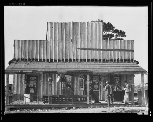 Store with false front. Vicinity of Selma, Alabama
