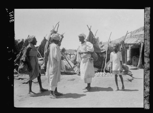 Sudan. Omdurman. Types in the onion market