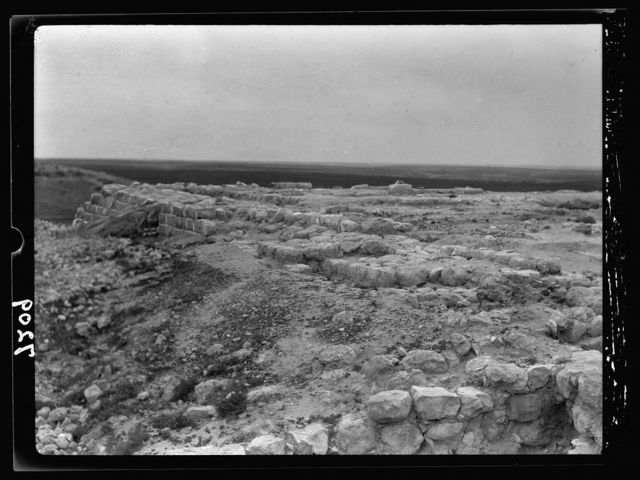Tel Deweir (Lachish). Jewish palace-fort, after removal of Persian residency. Now awaiting clearance. Looking S.W.