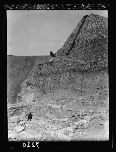 Tel Deweir (Lachish). XVIII-XIX dyn[asty] temple. Top right stone revetment built by expedition to hold steel chute, N.W. of Tell