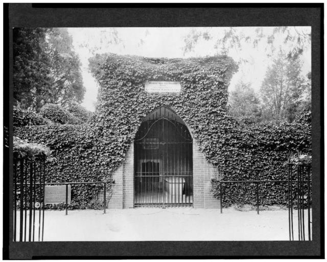 [The tomb of George Washington, Mount Vernon, Virginia]