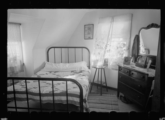 Westmoreland Homesteads, Mount Pleasant, Westmoreland County, Pennsylvania. Bedroom