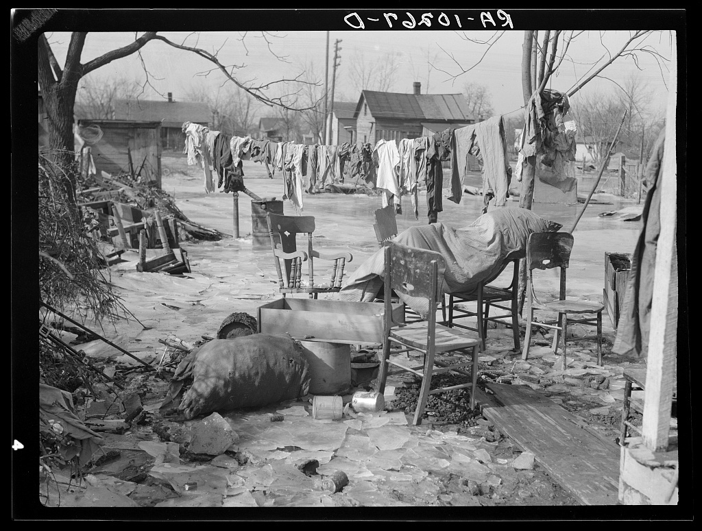 A backyard in Maunie, Illinois, after the flood