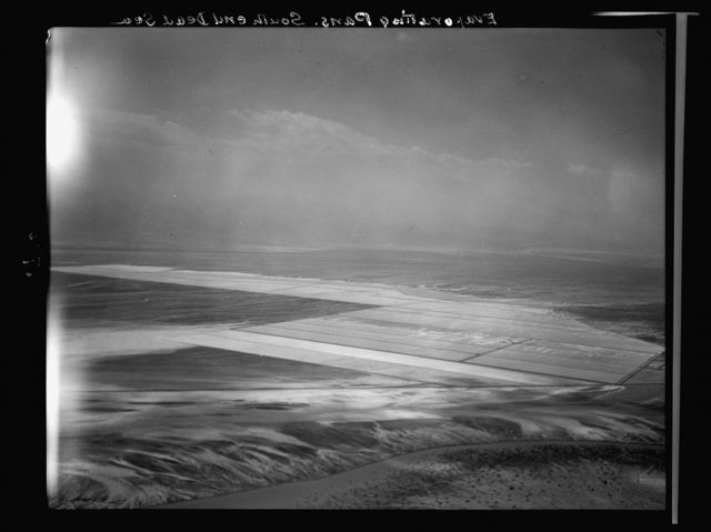Air films (1937). Evaporating pans S. end of the Dead Sea