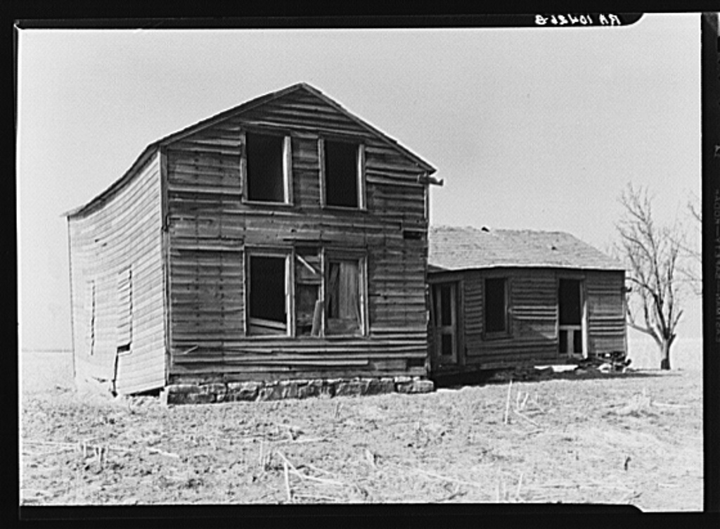 An abandoned farmhouse in LaSalle County, Illinois  The