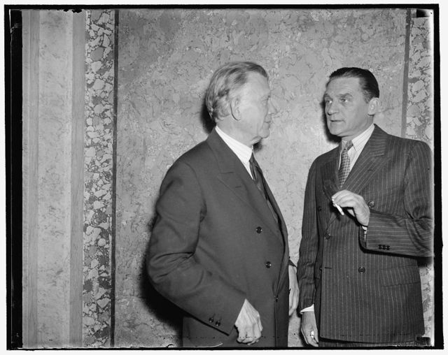 Borah and Nye want to form new national party. Washington, D.C., May 6. There have been new rumors that Senator Borah of Idaho and Senator Nye of North Dakota and other insurgent Republicans want to start a new National party with the purpose of unhorsing the present Republican National Committee. The leadership will fall to Senators William E. Borah and Gerald P. Nye caught as they were confering together at the Capitol today, 5/6/1937