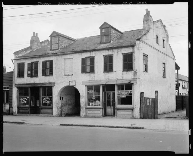 Calhoun Street, Charleston, Charleston County, South Carolina