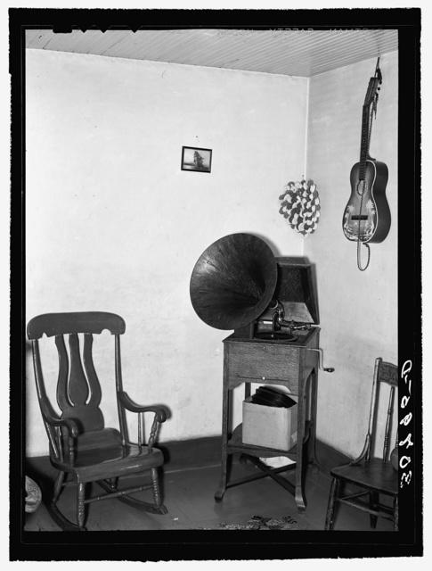 Corner of living room in Magney Monger's farm house. Ellisville Township, Williams County, North Dakota