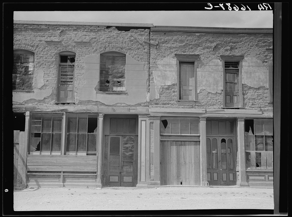 Crumbling buildings in Tombstone, Arizona, once a thriving mining town