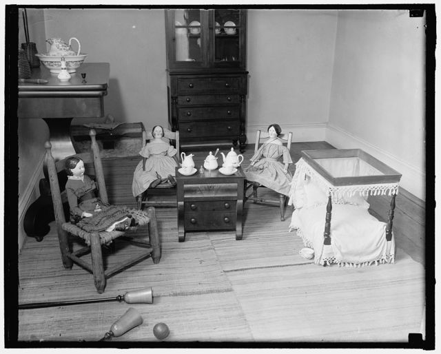 """Dolls"" Lee Mansion, Arlington, Va.; Rita Combs(?)"