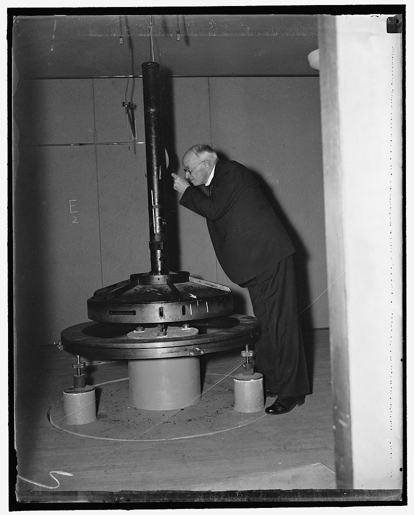 Dr. P.R. Heyl [...]snth weighing machine