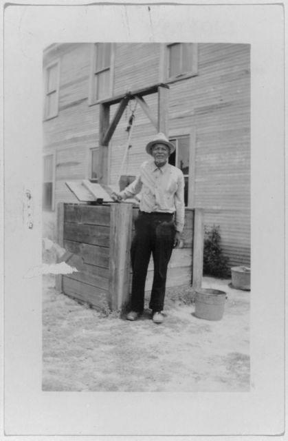 Hap McQueen, ex-slave, Woodville (Beaumont)